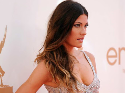 Jennifer Carpenter in sparkling beaded slit gown at 2011 Emmy Awards