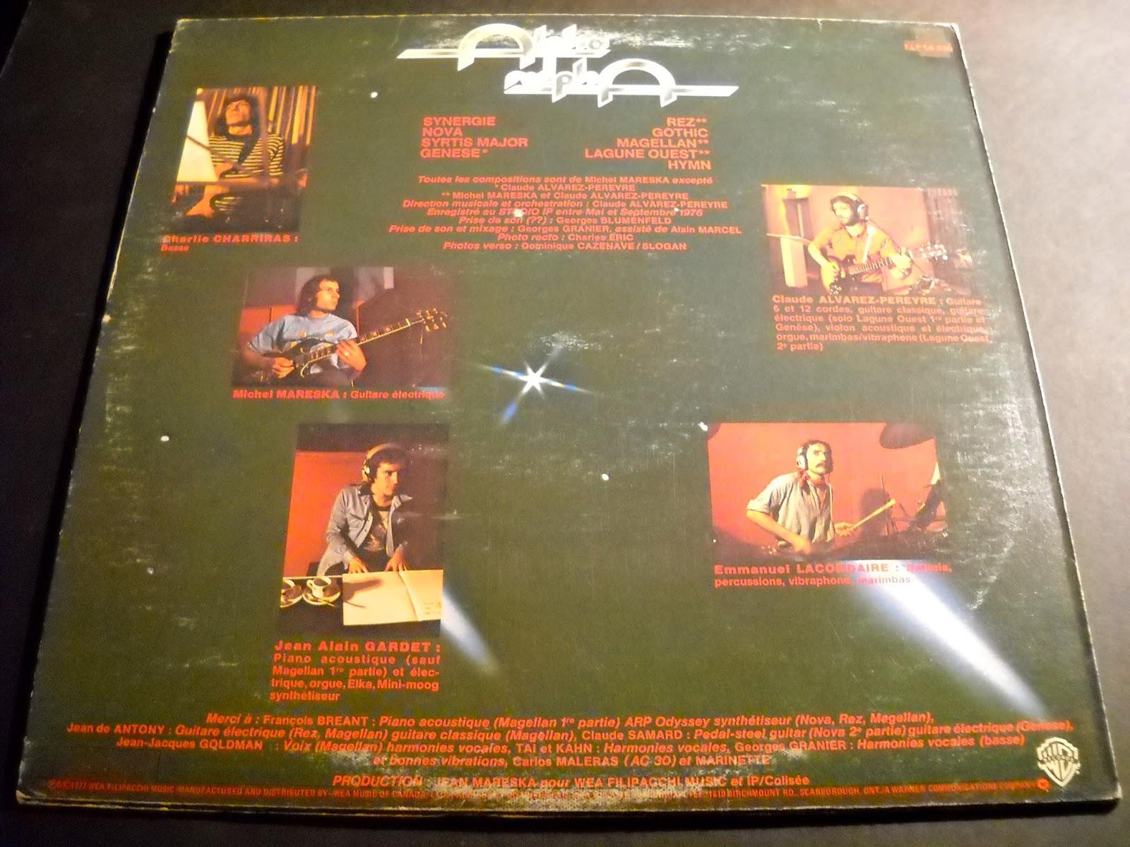 """""""Alpha Ralpha"""" foi uma banda francesa de curta duração, formada em meados dos anos setenta, com """"Michel Mareska"""" na guitarra elétrica, """"Claude Alvarez-Peryre"""" nas guitarras eléctricas e acústicas, """"Jean Alain Gardet"""" nos teclados, """"Charlie Charriras"""" no baixo e """"Emmanuel Lacordaire"""" na percussão. Em seu único álbum, mais quatro músicos apareceram, """"Francois Bréant"""" no piano e synth, """"Jean de Anthony"""" e """"Claude Samard"""" nas guitarras, e """"Jean-Jaques Goldman"""" nos vocais. """"Claude Alvarez-Peryre"""", um co-fundador do grupo era um membro da banda """"Malicorne"""", enquanto """"Jean Alain Gardet"""" e """"Jean-Jaques Goldman"""" foram os membros da """"Tai Phong"""". A banda lançou apenas um álbum, o LP auto-intitulado lançado pela Warner no Canadá e na França, em 1977. Sua música pode ser descrita como uma mistura de jazz rock e a tipica sinfonia do prog francês, onde as guitarras e teclados dominam as melodias em sua maior parte, com uso ocasional de vibrafone e marimba, e belas harmonias vocais, recomendo."""