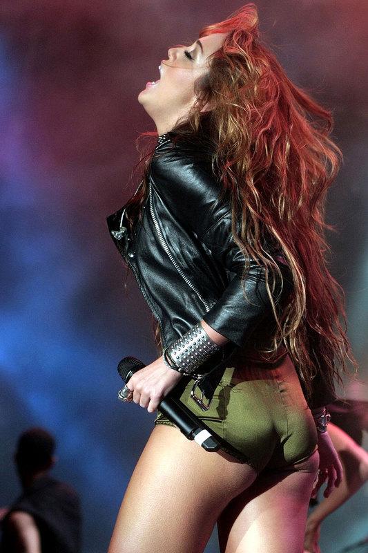 Fotos De Miley Cyrus xxx. Hola a todos, la joven cantante Miley Cyrus estuvo ...