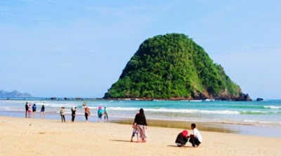 5 Pantai di Jawa Timur ini Wajib Kamu Kunjungi