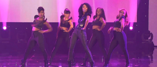 "Brandy performs ""Put it down"" @ MDA show of strength 