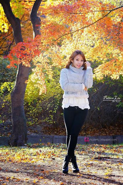 3 Beautiful Lee Da Hee outdoors - very cute asian girl-girlcute4u.blogspot.com