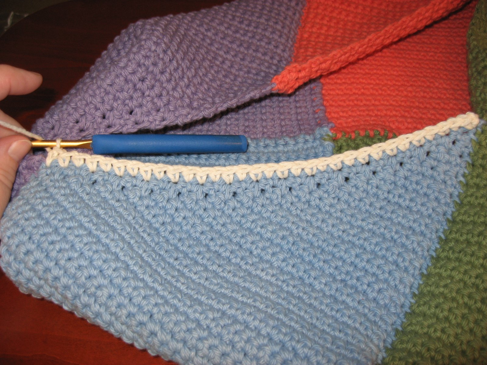 Hooked on Needles: Crocheted Swirling Bag ~ A Picture Tutorial