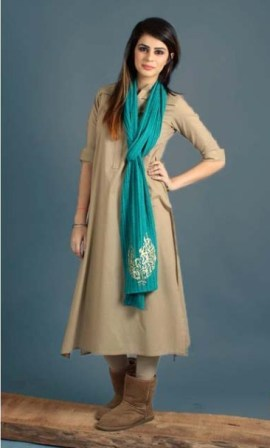 Winter-Dress-Designs-for-Girls