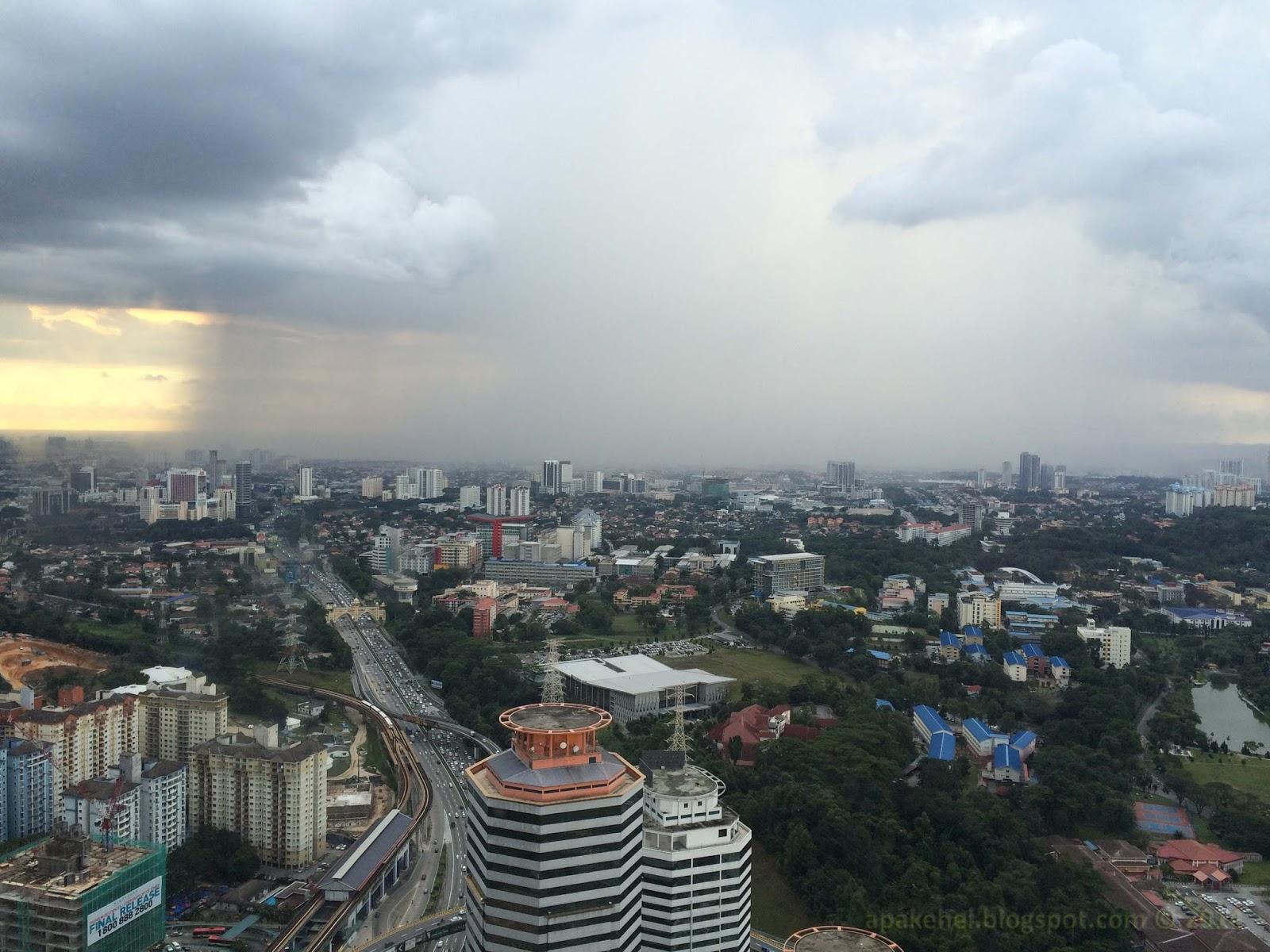 Hujan di waktu petang
