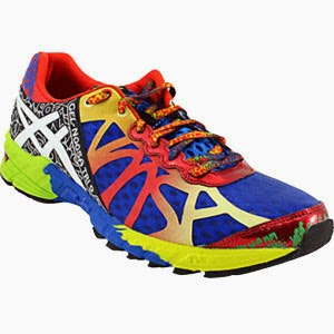 http://www.rogansshoes.com/i1657343/774538/products/Asics-GEL--Noosa-TRI-9-Running-Shoes.html