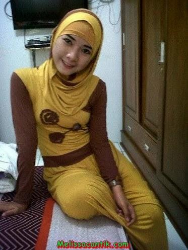 foto foto wanita muda alis tebal cantik berjilbab foto
