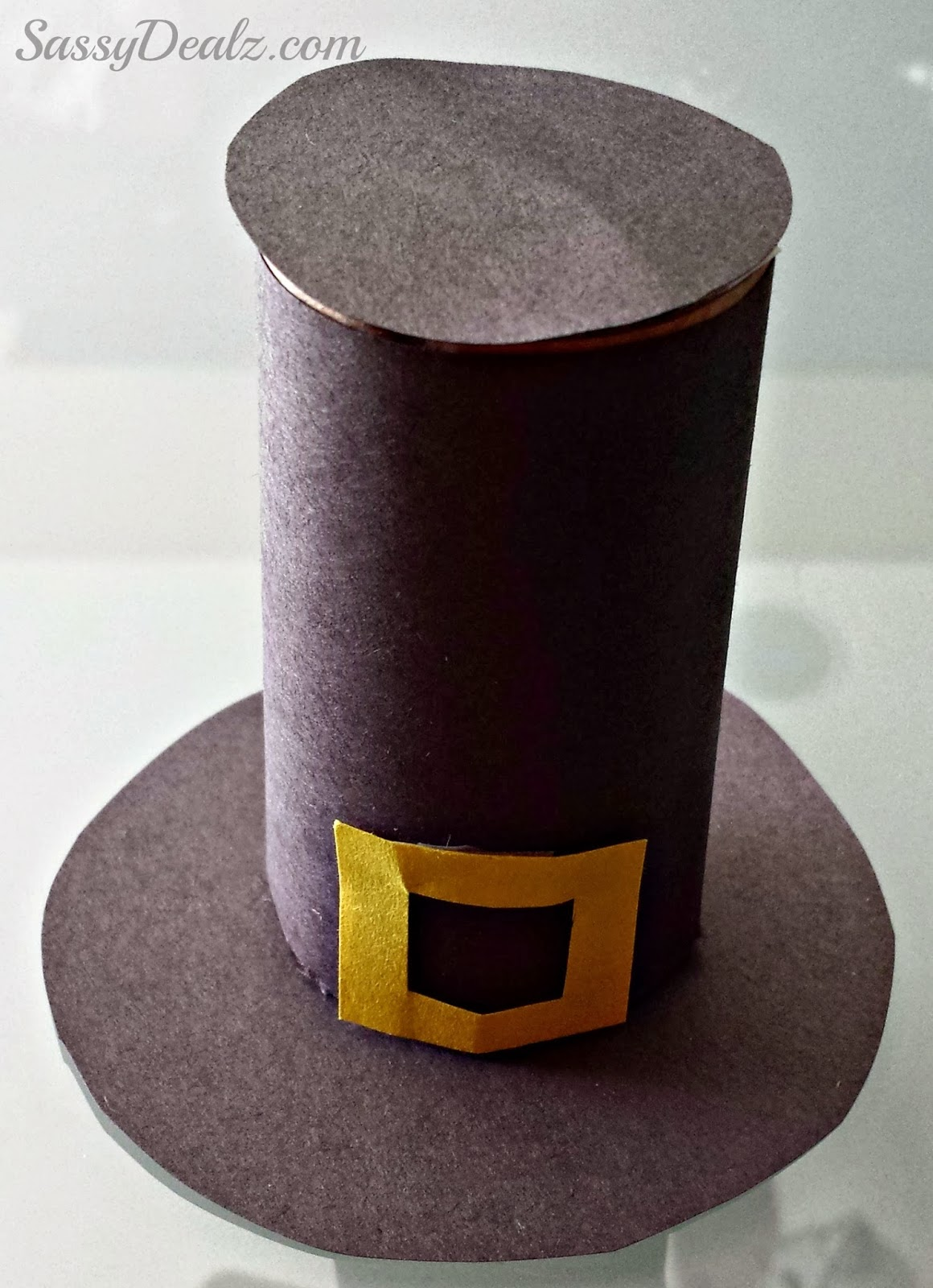 Pilgrim hat toilet paper roll thanksgiving craft for kids for Toilet paper roll crafts thanksgiving