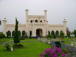 Sejarah Awal Berdiri Istana Siak Sri Indrapura