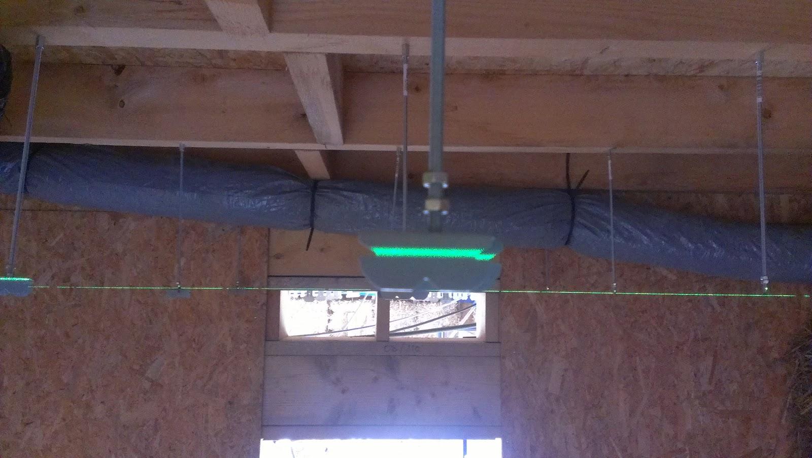 leve échelle plafond
