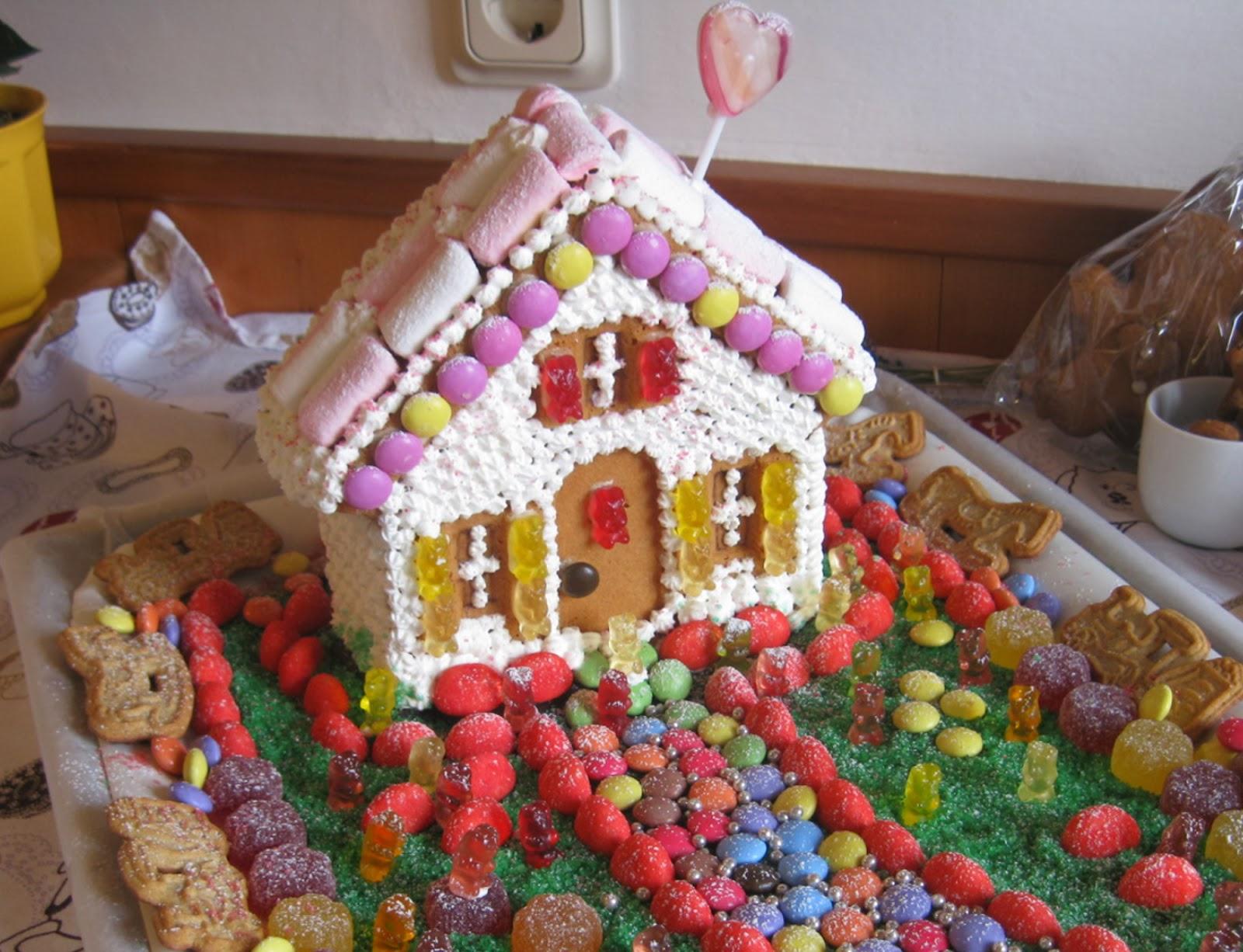 puperta in cucina la casa di caramelle