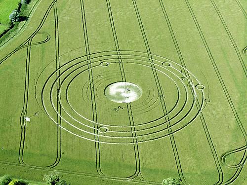 Los Circulos y dibujos en los campos nos dan un mensaje Extraterrestre 20120620+2012+crop+circle+5