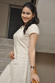 panchi bora Pictures at yamini chandra Sekhar trailer launch(13).jpg