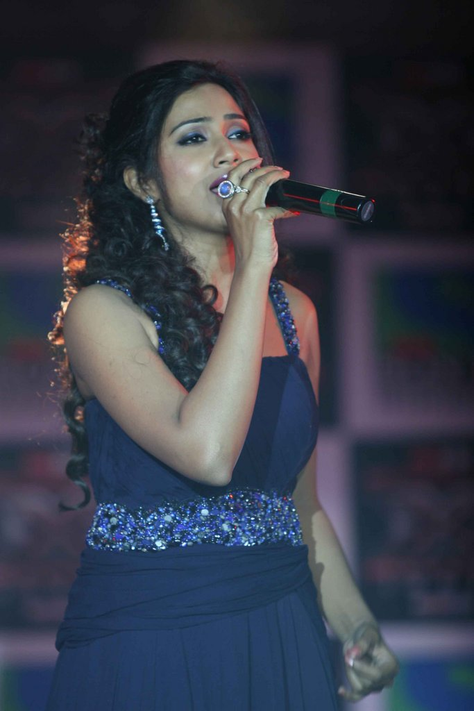 shreya ghosal beautiful look - photo #22