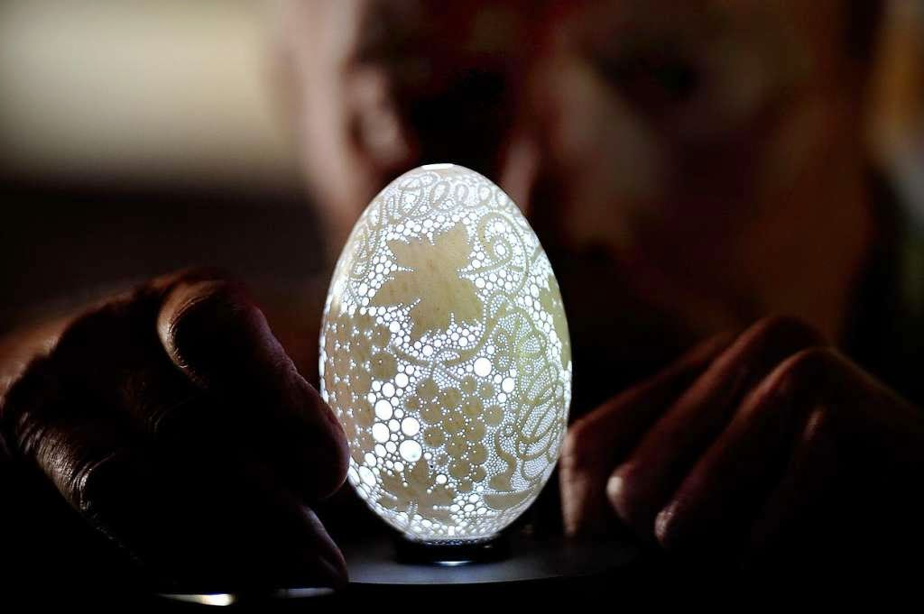 46 Unbelievable Photos That Will Shock You - This Eggshell Has More Than 20,000 Holes Drilled in It