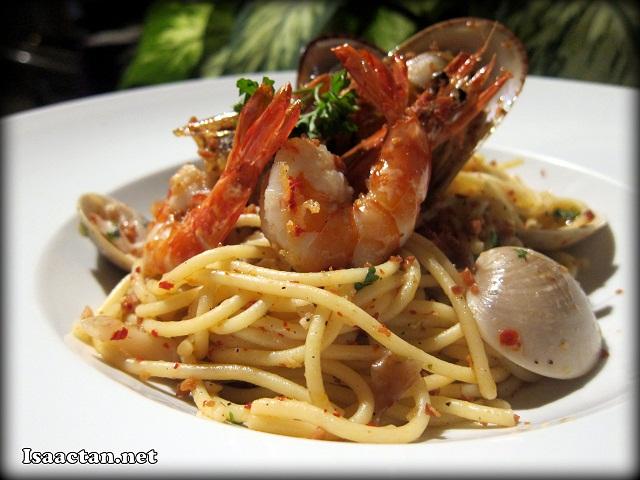 #1 Marco's Spaghetti Alio e Olio Seafood Special - RM26