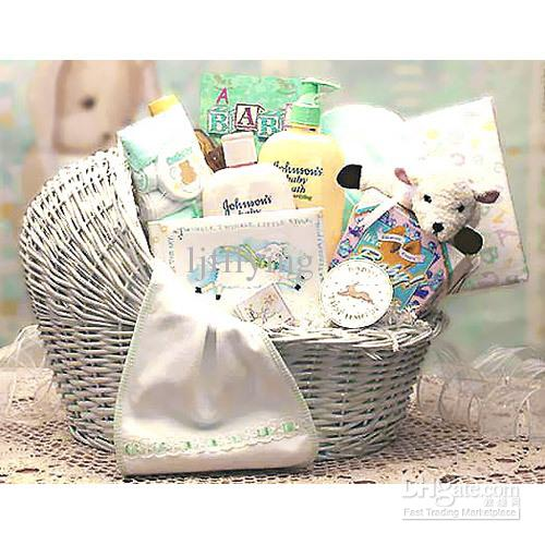 Bassinet Gift Basket4