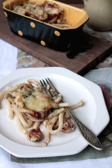 Макаронная запеканка с сосисками