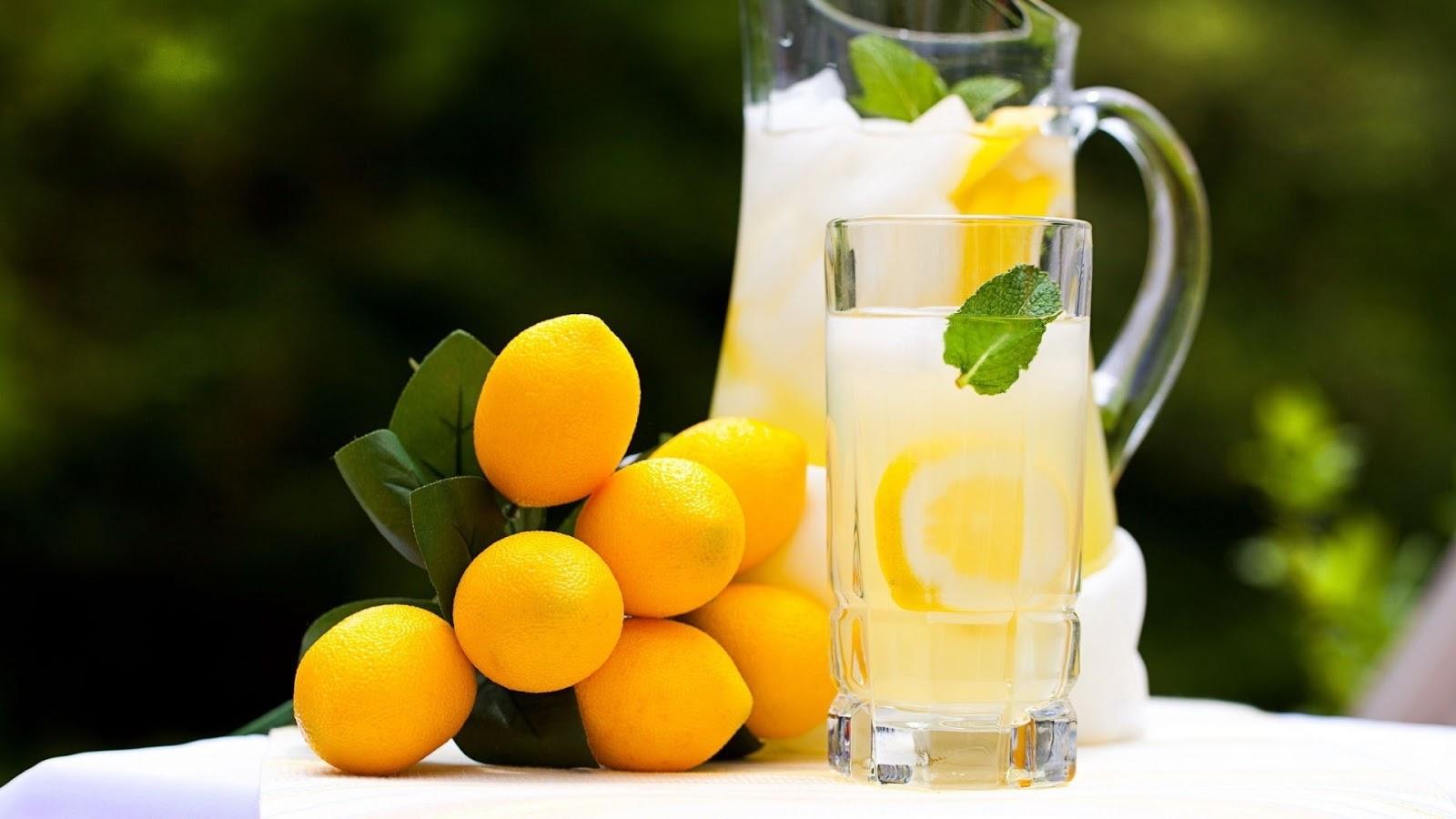 http://4.bp.blogspot.com/-cUBMIUUKFxU/UNBAl-NYyII/AAAAAAAAKTE/PrEkjx6JncY/s1600/autumns-lemonade.jpg