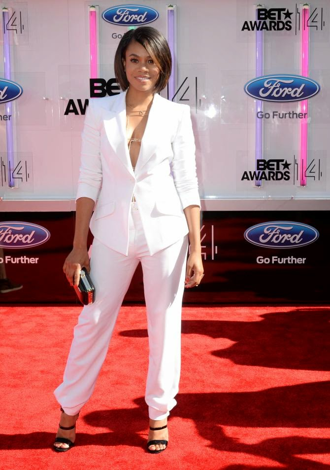 Regina Hall Rocked Her White Chagoury Pantsuit Sans Shirt Regina