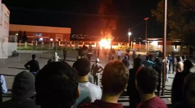 Αν ισχύει αυτό που μας ήρθε μόλις τότε στο Ωραιόκαστρο παίζονται ΑΛΛΟΥ ΕΙΔΟΥΣ ΠΑΙΧΝΙΔΙΑ από χθες βράδυ - Τελικά πιο όχημα σκότωσε τους μετανάστες;