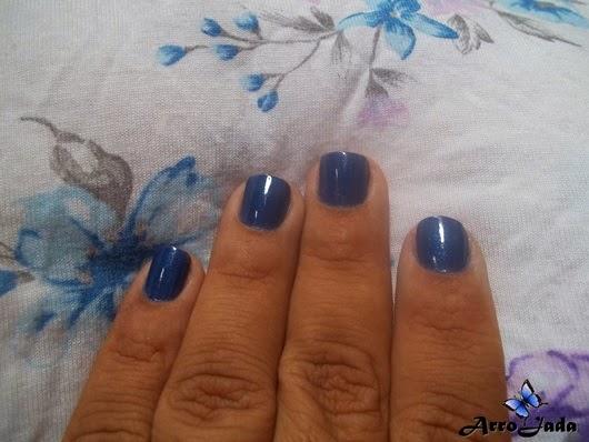 Esmalte azul Merheje