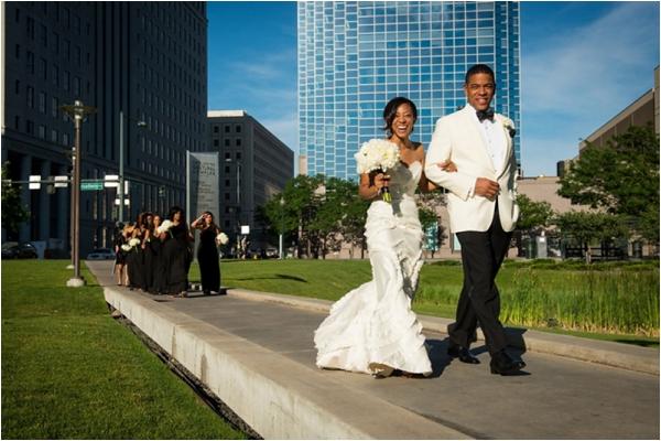 gorgeous wedding via Modernly Wed (http://modernlywed.com/2012/12/12/real-wedding-nicci-bj-in-denver/)