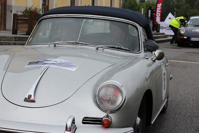 Cette 356 de 1960 faisait partie des doyennes... respect!