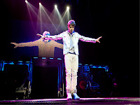 justin_bieber_concert_wallpapers_2313453245