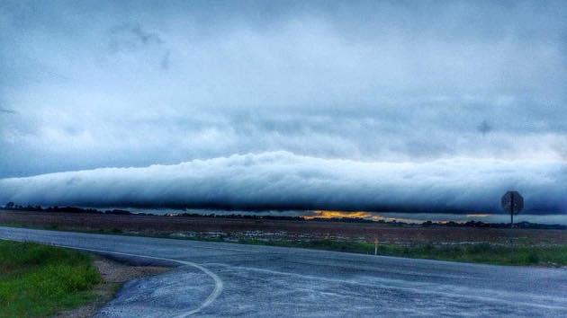 Foto ini Lebih Mengagumkan dari Fenomena Sangkakala di Langit!