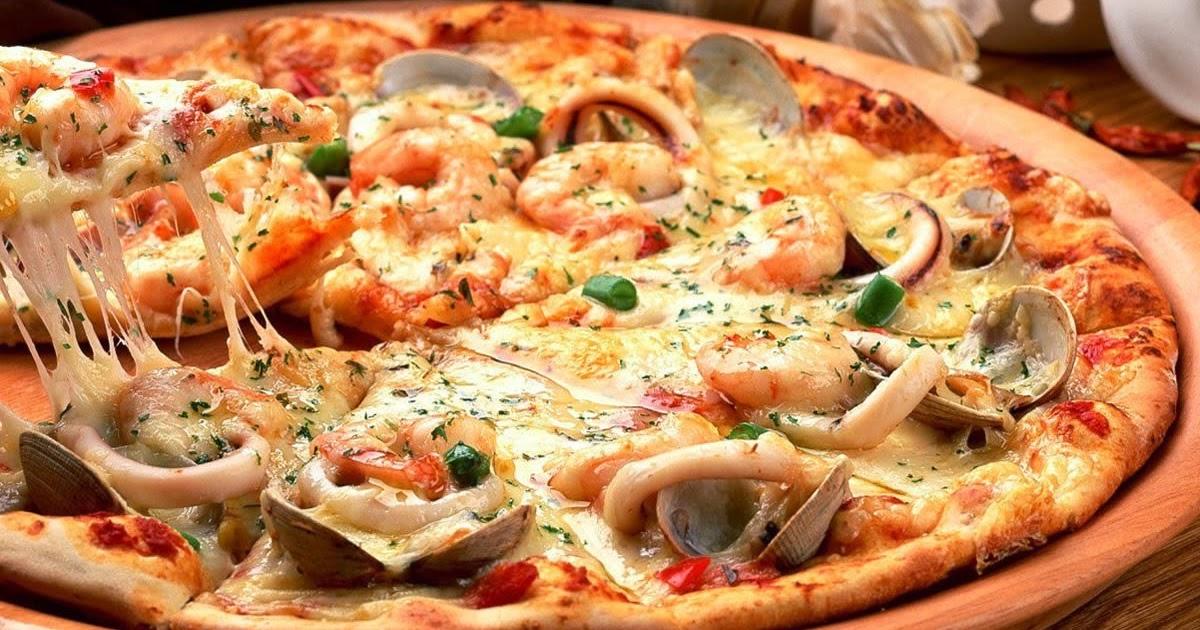 Farce de pizza nue