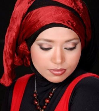Red-and-Black-Hijab-Style