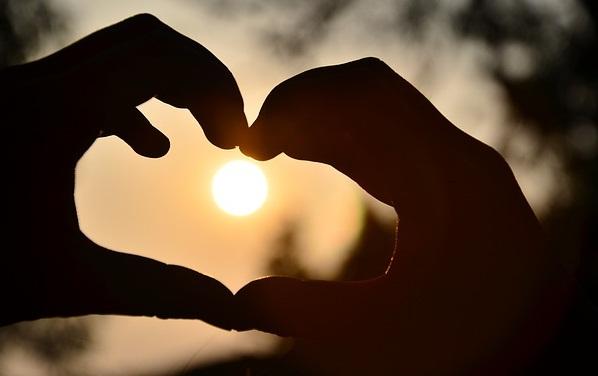Tips Cara Menumbuhkan Kasih Sayang Untuk Suami Istri Agar Lebih Cinta