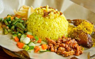 Cara Membuat Nasi Kuning Sederhana
