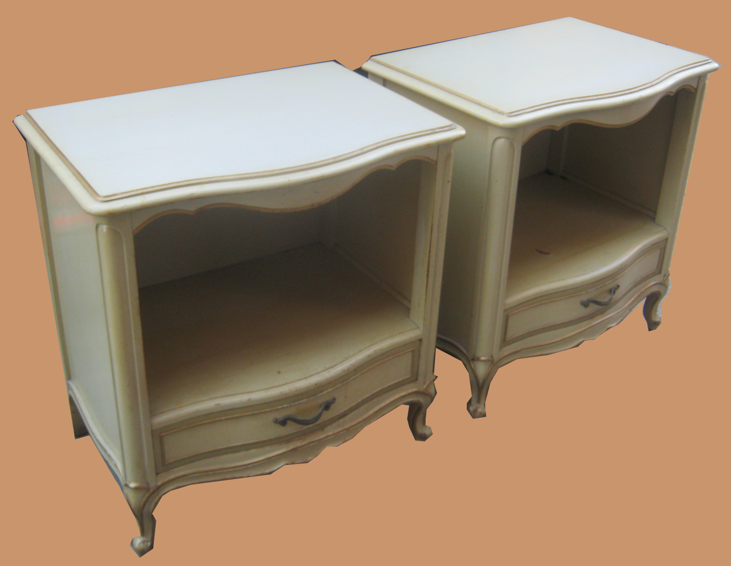 Uhuru Furniture & Collectibles: French Provincial Bedroom Set- SOLD