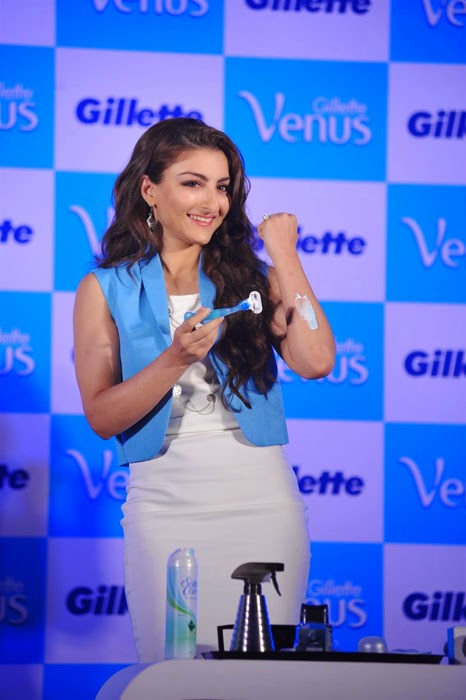Chitrangda and Soha Ali Gillette Venus Satin Care Shave Gel Launch