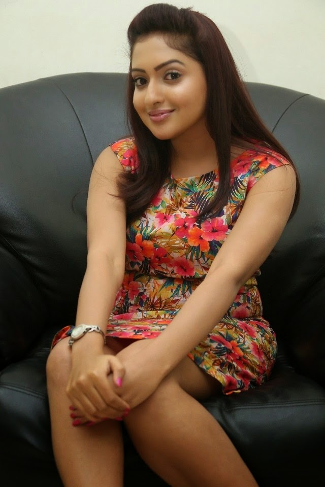 Actress Anjana New Gorgeous Pics