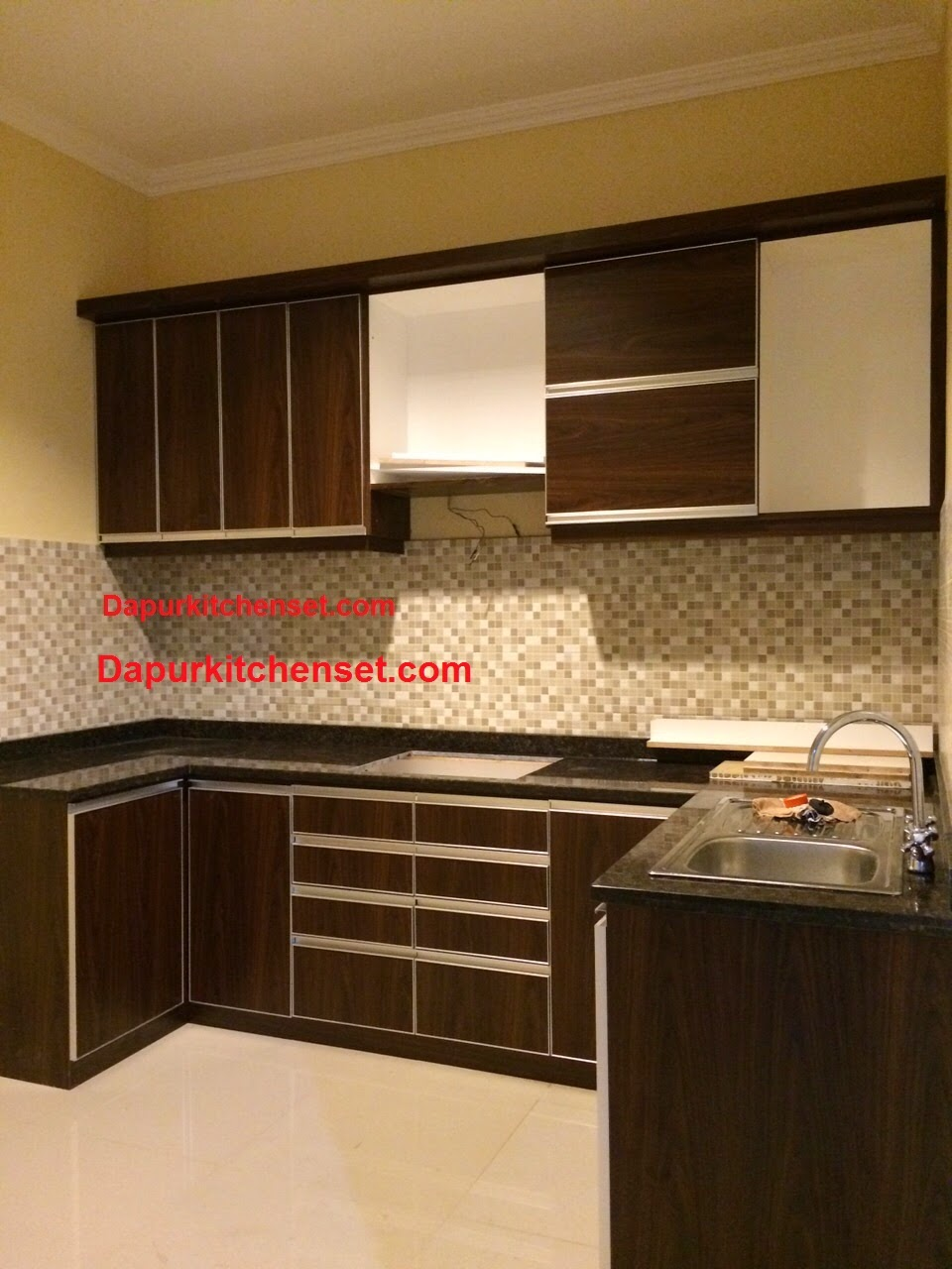 Jasa kitchen set bekasi murah for Harga kitchen set per meter