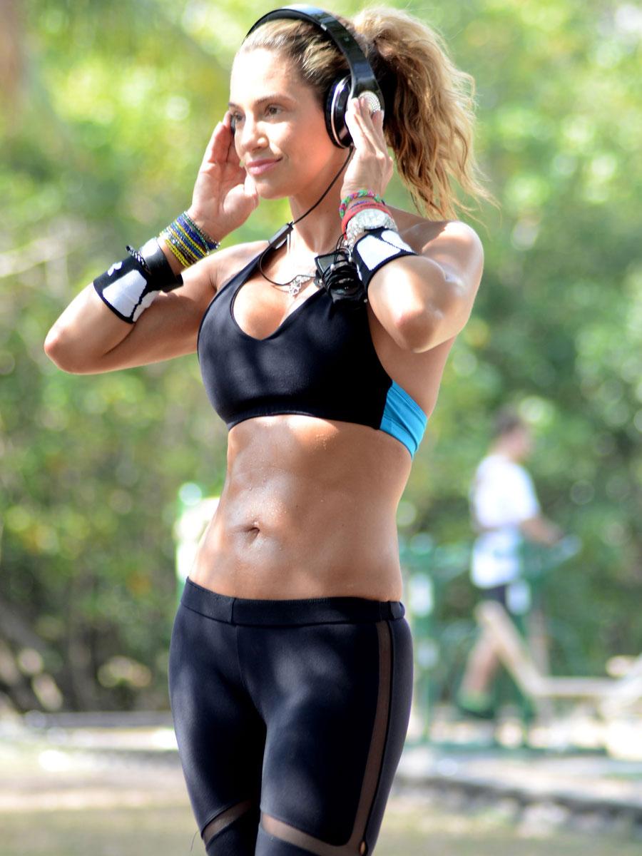 Model lee fitness jennifer nicole