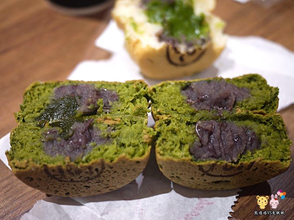 抹茶外皮+紅豆或是紅豆蕨餅
