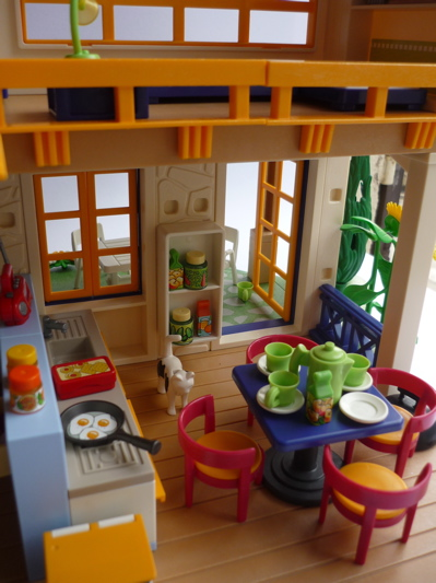 maison de campagne playmobil interieur. Black Bedroom Furniture Sets. Home Design Ideas