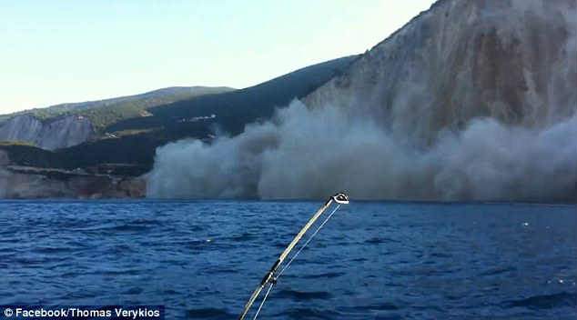 Earthquake DESTROYS one of the world's most beautiful Egremni Beach in Lefkada