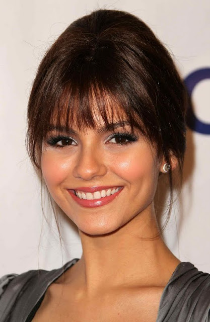Victoria Justice – 2011 Imagen Awards in Beverly Hills