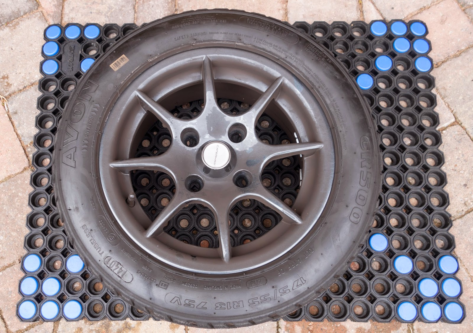 Caterham R500 13 inch wheel
