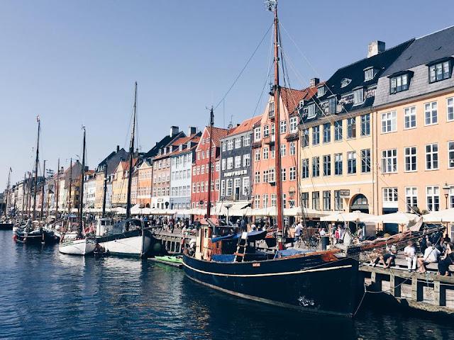 copenhagen-canals-nyhavn