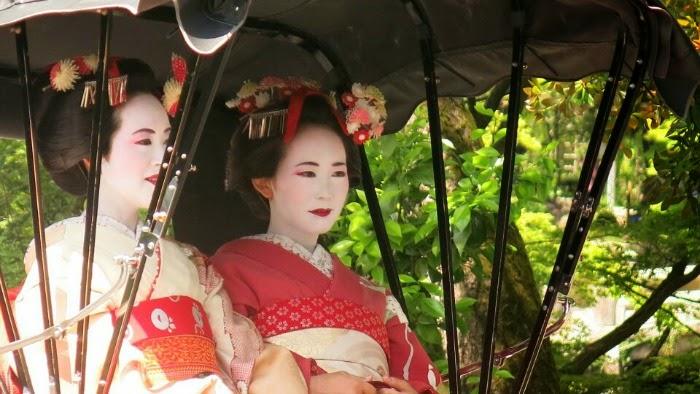 Kyoto_Geishas
