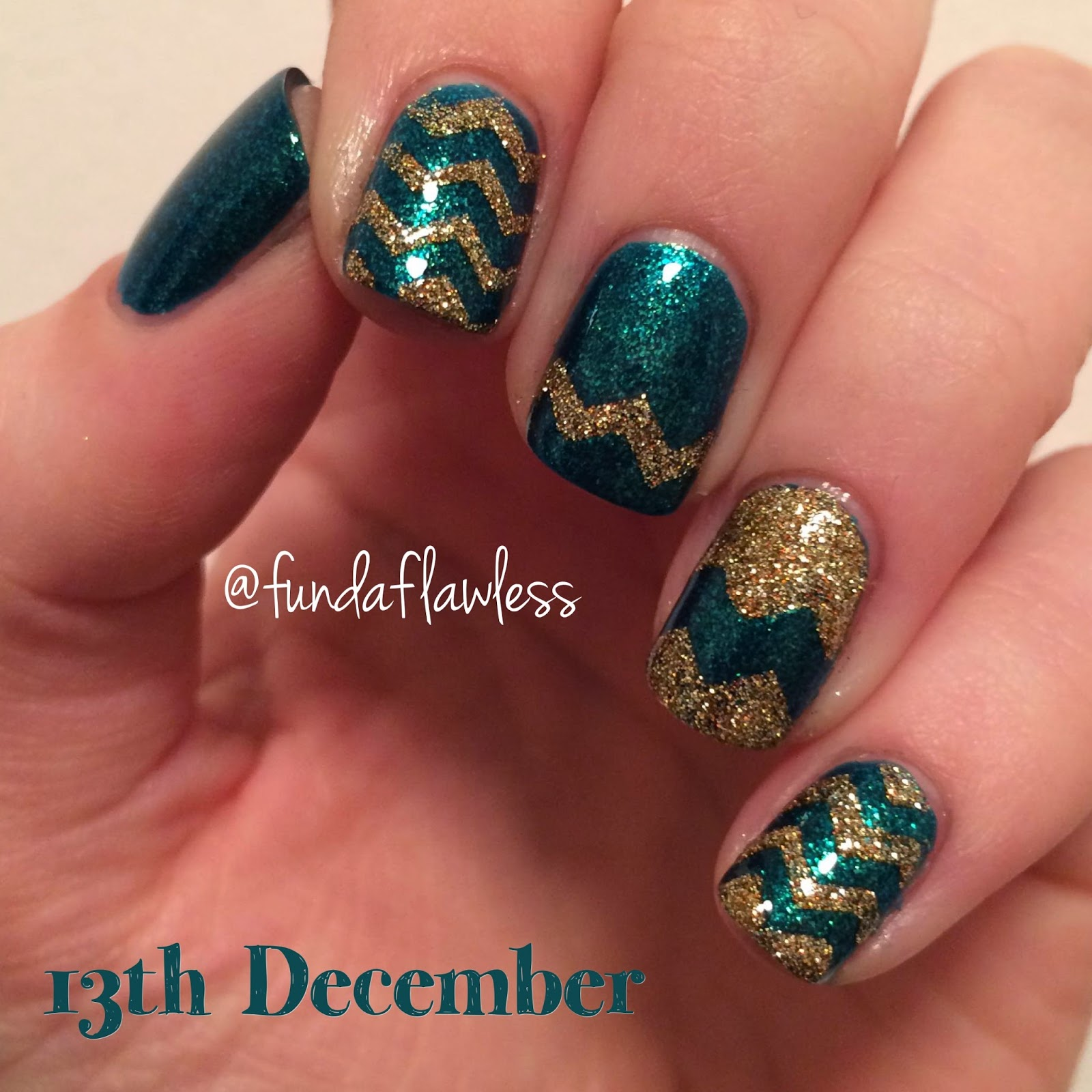 Green and Gold Glitter Zig Zag Nail Art