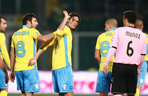 Edinson Cavani shows gratitude gesture towards Palermo fans after scoring for Napoli