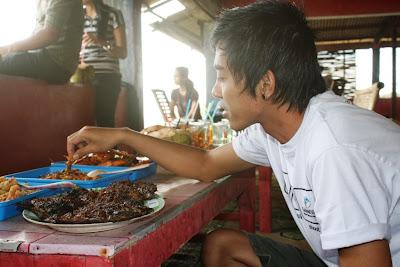 Seafood dipantai Depok
