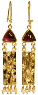 triangular amethyst earrings in 18k yellow gold with diamonds